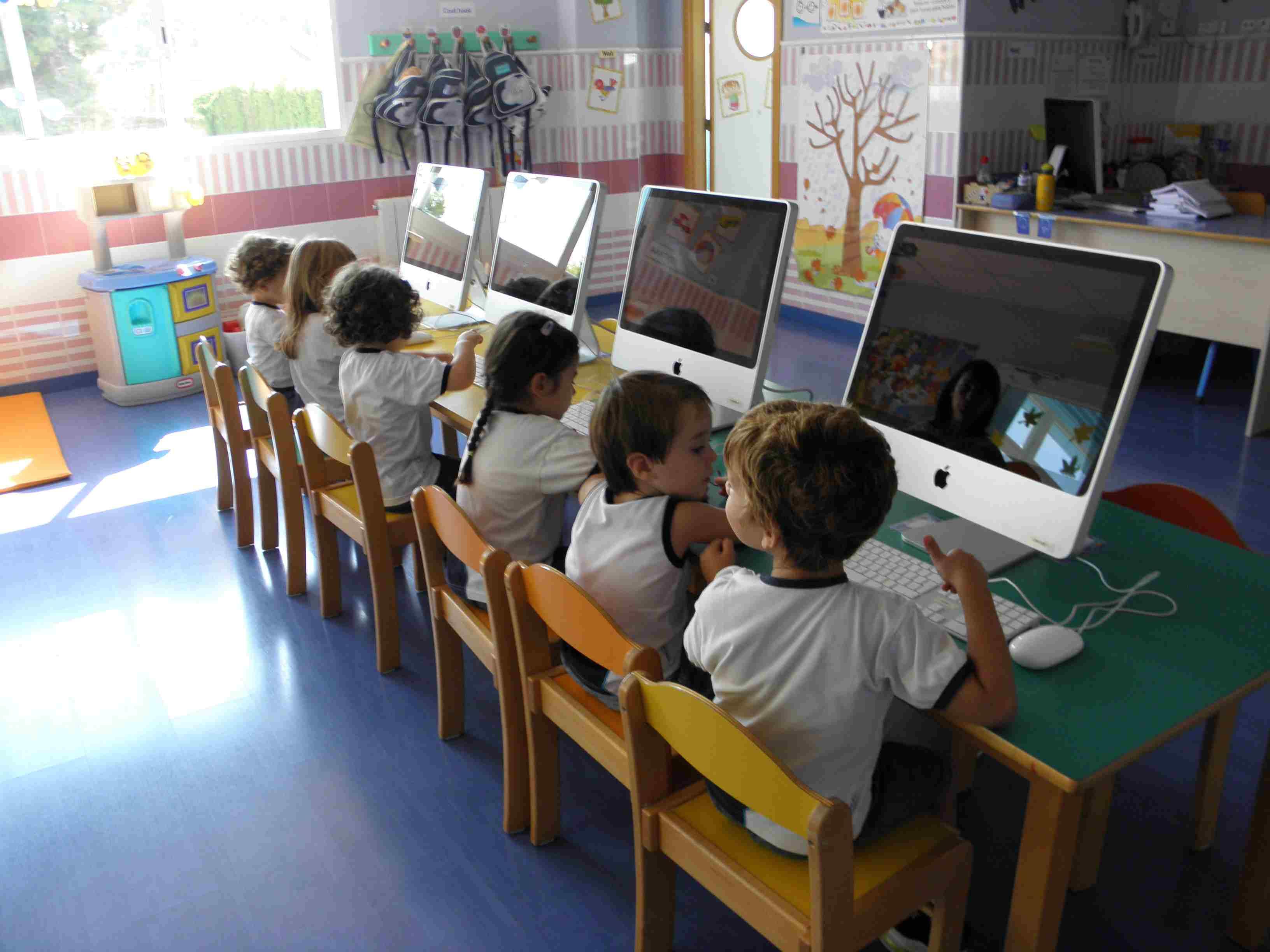 Escuela infantil en la eliana centro infantil eliana - Ordenador para salon ...